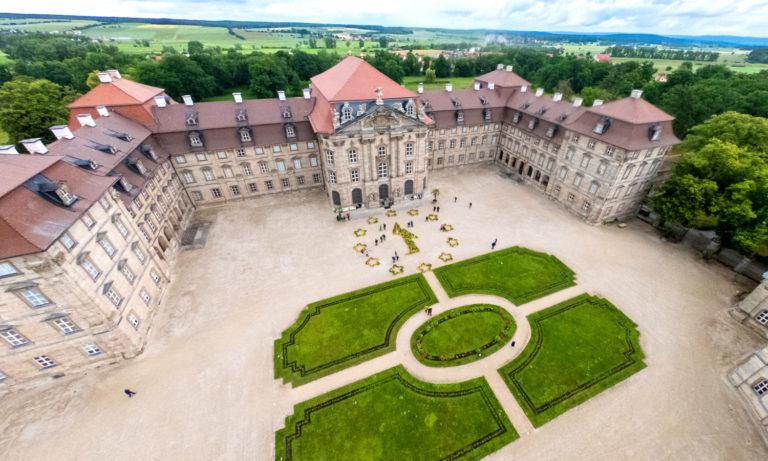 Beedabei-Kunstwerk-Schloss-Weissenstein-21